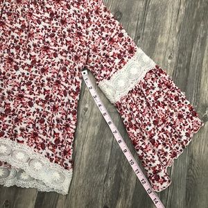 Hollister Tops - Hollister Floral Bell Sleeve Lace Detail Boho EUC